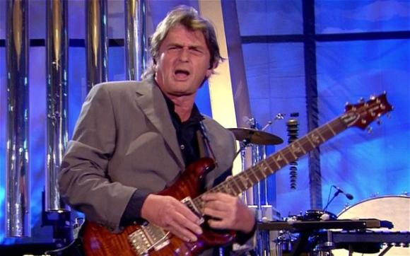 """Mike Oldfield: Κυκλοφορεί το """"The Best Of: 1992-2003"""" Mikeoldfiel"""